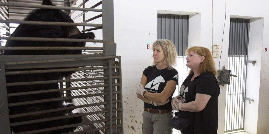 Lesley and Jill in Nanning, China